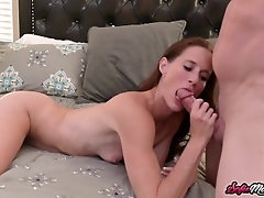Kinky MILF In Pantyhose Moans During Hook-up