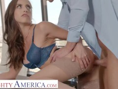Horny America - Dickblowers stunner Spencer Bradley gets drilled rock hard at the office