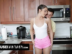 Sneaky Teen Kylie Quinn Gets Her Pussy Bitchy