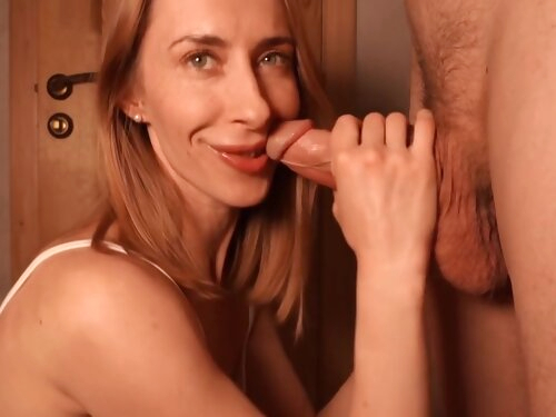 Beautiful Girl Gives A Blowjob And I Cum In Her Mouth