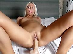Web cam session Dildo fuck and cum Helena Moeller