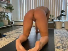 Nude Yoga and Stretching, Perfect Muscly Nut