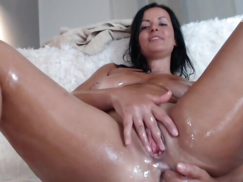 Oiled Up German Wife Stretching Her Asshole