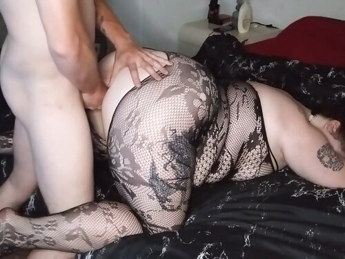 Perfect Ass Pawg Wednesday Knows How To Throw That Ass Back!